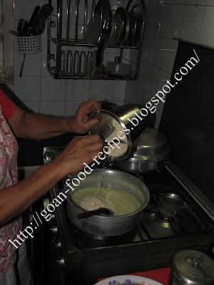 Mixing Cashewnut Powder