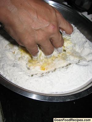 start kneading the mixture