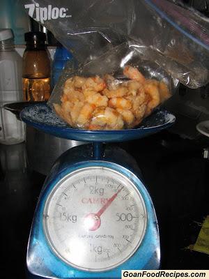 weigh the prawns