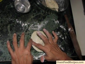 20_add_water_to_the_edges_of_the_ neureo_pastry