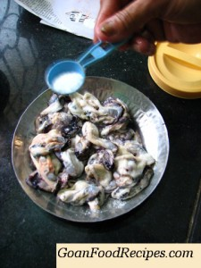 add salr to the mussels