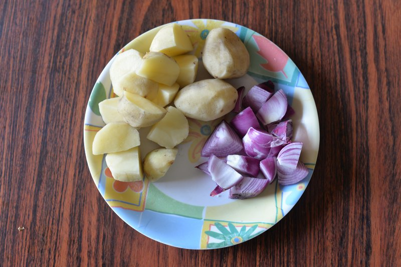 onions potatoes to add in the gravy