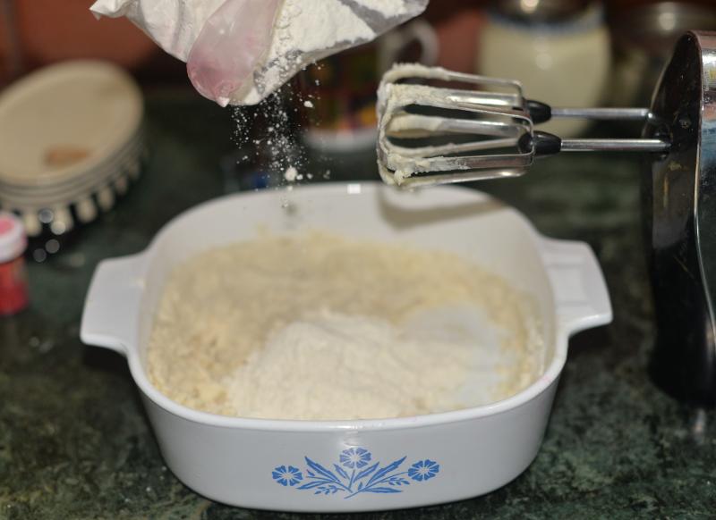 9_slowly_add_more_flour